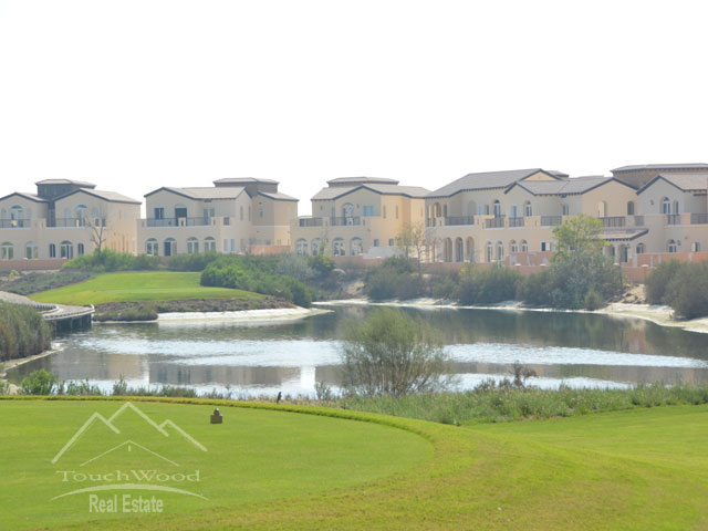 Live In Dubai Xxl 4 B/r Villa Gardens View In Orange Lake Jumeirah Golf Dubai